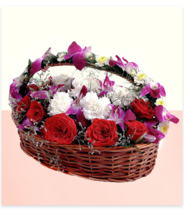 15 WHITE & RED ROSES WITH BASKET BOUQET 129