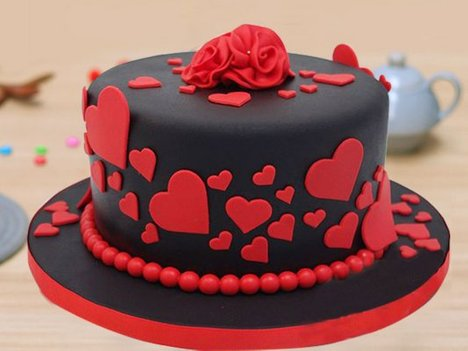Red & Black Romantic Fondant Cake